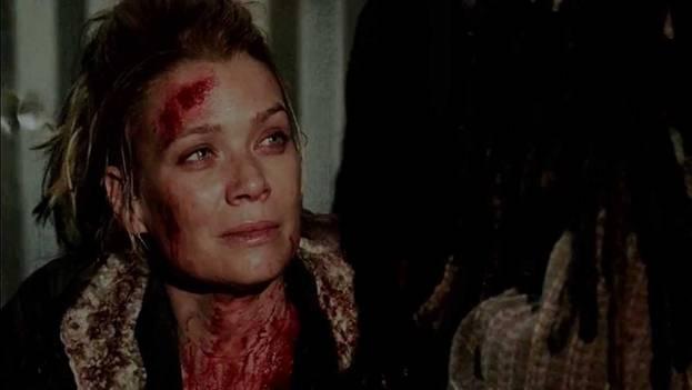 Андреа. Была укушена Милтоном. После застрелилась. 3 сезон 16 серия